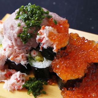赤字覚悟「いくら」「かに」をてんこ盛り!【新名物】こぼれ寿司
