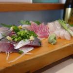 魚河岸料理 尋 - 料理写真:地魚三種盛