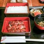 鰻楽 - ■上うな重 2700円