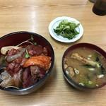 新竹三楽 - 料理写真:海鮮丼+みそ汁