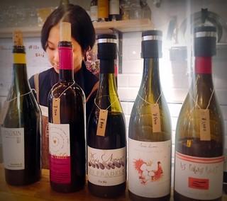 トロワザムール - グラスで飲めるワインたち