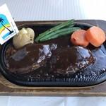 96671174 - 炭焼きハンバーグ  スープ、サラダ、ライス付きで1,690円