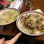 二代目蝦夷 - 味噌ラーメンと焼肉丼大盛