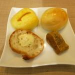 96677383 - パン食べ放題
