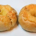 COBO pan - きんぴらレンコンチーズベーグル