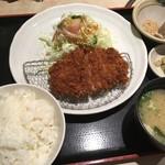 えん家 - とんかつ膳(890円)