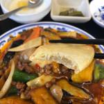 中国家庭料理 豊澤園 - 茄子の天ぷら?作り置きなのか、冷えてる