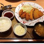 やよい軒 - 料理写真:かきフライミックス定食