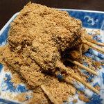 9669177 - 串のお団子に黒蜜、きな粉。