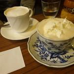 コーヒーロッジ ダンテ - カフェオレ&ウインナー