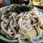 そば処 森 - ざるそば(800円)。蕎麦粉十割の裁ち蕎麦です。
