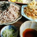 そば処 森 - ざるそばと野菜のかき揚げ