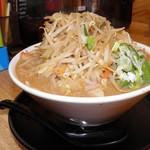 蔵出し醸造味噌ラーメン えんまる - 料理写真:野菜たっぷり味噌ラーメン 951円