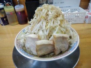 麺屋十郎兵衛 盛岡南店 - 煮干十郎(汁なし・全部増し・正面から)