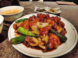 中国飯店 六本木店 - 鶏肉の四川風炒め