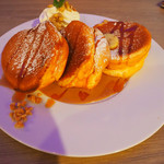 湘南パンケーキ - 2018/11/10ランチで利用。 ロイヤルミルクティーパンケーキ(1,490円)