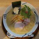 麺や 空月 - 鯛白湯らーめん塩味:820円