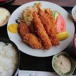 創作キッチン 司 - 料理写真:ランチセット(エビフライ+カキフライ)