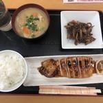 海鮮食堂おくどさん - 真いかの照り焼き・ゴボウと蒟蒻のピリ辛炒め・豚汁
