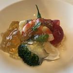 ラ・メール ザ クラシック - 甲殻類のジュレに悶絶。小海老と白身魚、鮑と野菜のムースがマリアージュ。ああっ、志摩まで足を伸ばして良かったぁ〜、と溜息をついた一瞬