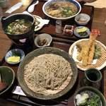 山の飯 沙羅 - 地鶏鍋付き