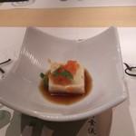 96725330 - 胡麻豆腐にトビコ