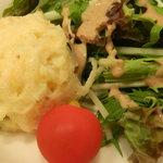 オステリア ジラソーレ - ランチセットのサラダ アップ