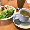 ラ・ペコラネーラ - 料理写真:セットのサラダと日替わりカップスープ(今日は白菜)