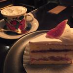 96738835 - ウインナーコーヒー&いちじくのショートケーキ