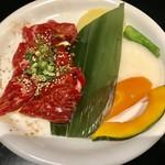 スギモト - 石焼ビビンパセット¥1480(外税)の肉