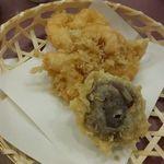 天ぷら新宿つな八 - 掻き揚げと椎茸の海老詰