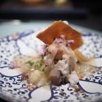 エクアトゥール - ずわいがに 唐墨チップス 海老芋