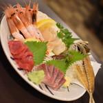 寿司居酒屋のぼる - 大漁盛り(2,480円)