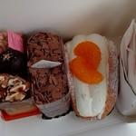 トレビアン洋菓子店 - 料理写真:購入したケーキ達