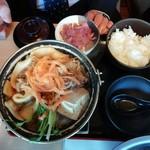 どん亭 - 牛すき鍋膳1030円