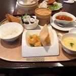 96759548 - Dランチ(海老ランチ)・全体 見た目にも美しく、確かな味の逸品ばかり☆☆☆ 2018/11/17