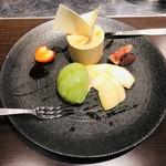 炭焼き 成吉思汗いし田 - デザート(洋梨ムース・抹茶アイス)