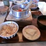 村上家釜めし - 料理写真:海老釜飯700円