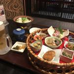 96761127 - 旬菜花篭ご膳(1380円 税別)