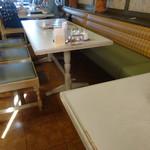 レストランカウベル - 店内