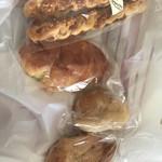 96762972 - チーズスティック、クリームパン、ぱぴぱん、カレーパン