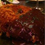 鉄串BBQ肉ロック70'S カンダーラ - 肉汁したたる男のメンチカツはボリューム満点
