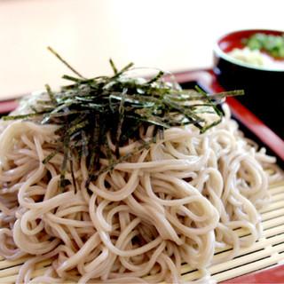 釧路に伝わる伝統の味を札幌で。美しく輝く珠玉の蕎麦に舌鼓。