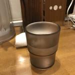 ガラ喰楽学校 - 冷たい水。       美味し。