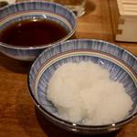 天ぷらスタンド KITSUNE - 大根おろしと天つゆ