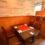 韓国料理 豚とんびょうし - 2階テーブル