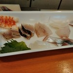 96787816 - 地魚の海鮮丼のネタ