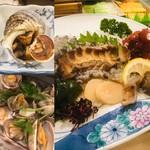 三喜寿司 - 料理写真:左上サザエのつぼ焼き、左下アサリの酒蒸し、右アワビの刺身