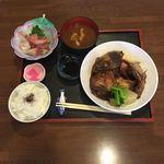 ファミリーれすとらん ひろせ 寿し正 - 鮮魚カブト煮定食  ¥1300