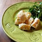 柿とリコッタチーズのサラダ